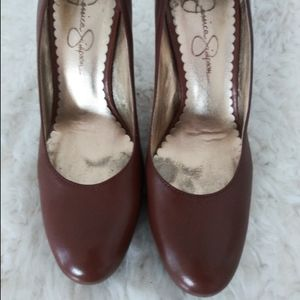 JESSICA SIMPSON BROWN LEATHER PUMPS